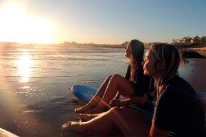 Aprende español y surf en Cádiz