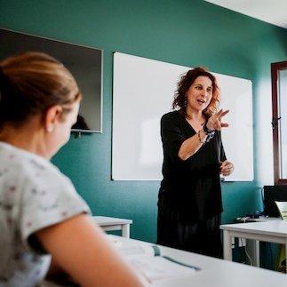 Escuela de idiomas en España