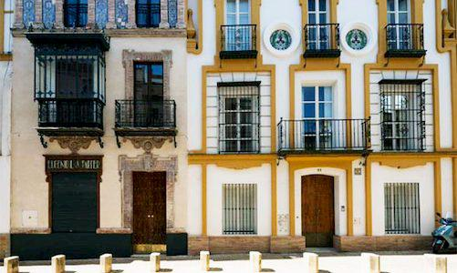 CLIC Private Apartments in Seville Entrance