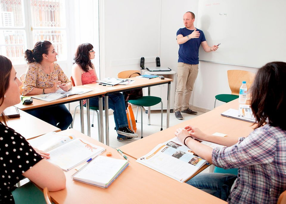 Study English in Sevilla CLIC International House