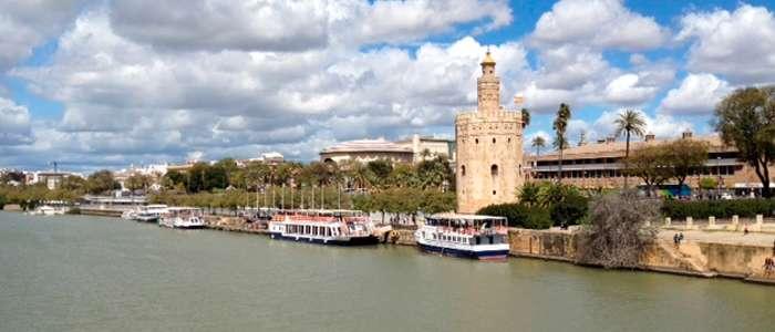 Trocitos de nuestra cultura: la torre a los pies del río